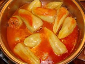 Болгарский перец фаршированный овощами.