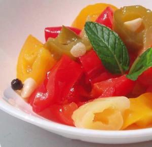 Заготовки из перца с овощами.
